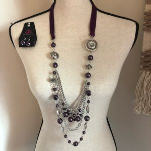 Fun Flirty Necklace and Earring Set